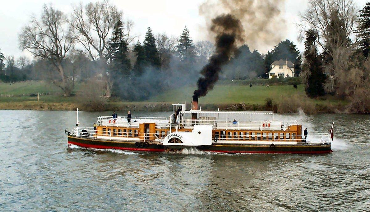 Znalezione obrazy dla zapytania paddle steamer waimarie