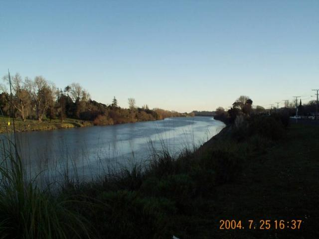 Winter shot down river, Whanganui River